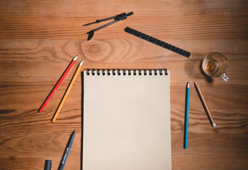 文章やイラストを書く